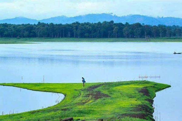 Một góc hồ Ea Kao